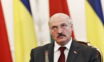 У Мінську ОМОН затримав людей, які стояли у черзі за футболками «Псіхо3%» з натяком на рейтинг Лукашенка