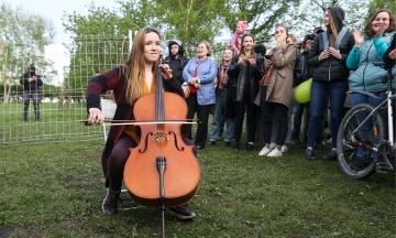В российском Екатеринбурге задержали не менее 70 участников акции против строительства храма РПЦ
