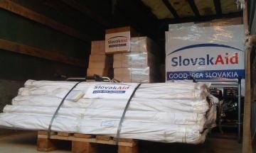 Намети, насоси, генератори: Словаччина передала гуманітарну допомогу для ліквідації наслідків повеней на заході України