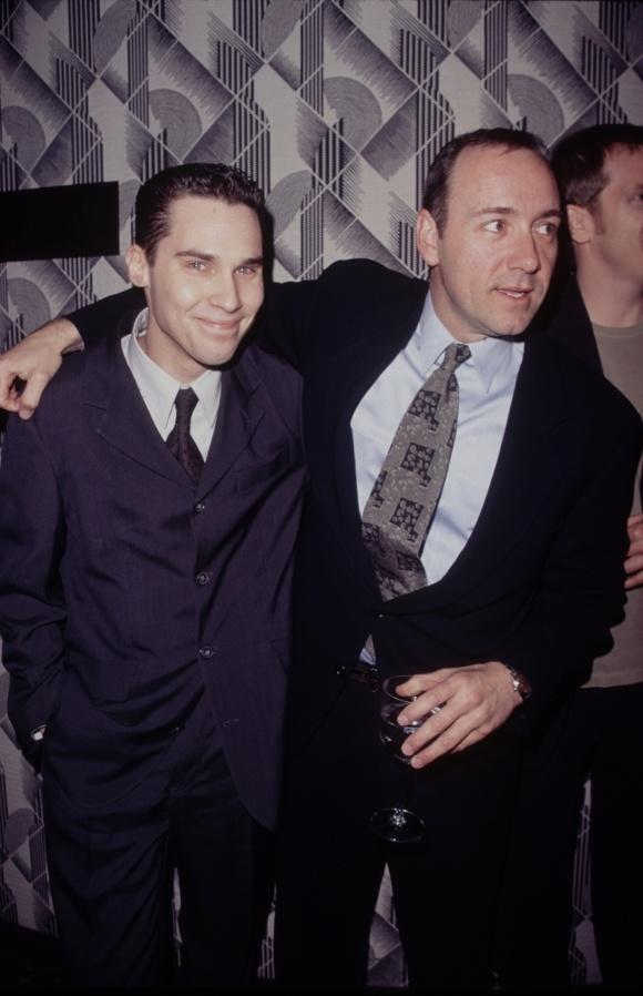 Брайан Сингер (слева) и Кевин Спейси (справа) в 1995 году.