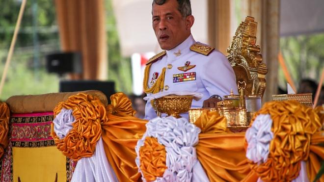 Таиланд готовится к трехдневной коронации монарха. Вачиралонгкорна с помощью ритуалов возведут в божий чин
