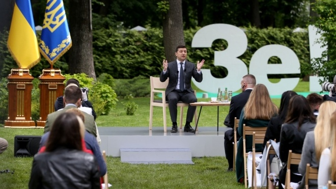 Володимир Зеленський дав карантинну пресконференцію. Про що говорив президент понад три години — у текстовій трансляції «Бабеля»