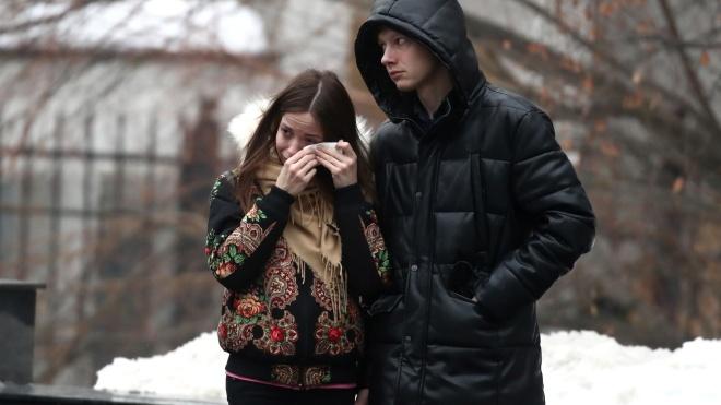 Прощание с рэпером Децлом в Москве состоялось без микрофонов, речей и профессиональных фотографов