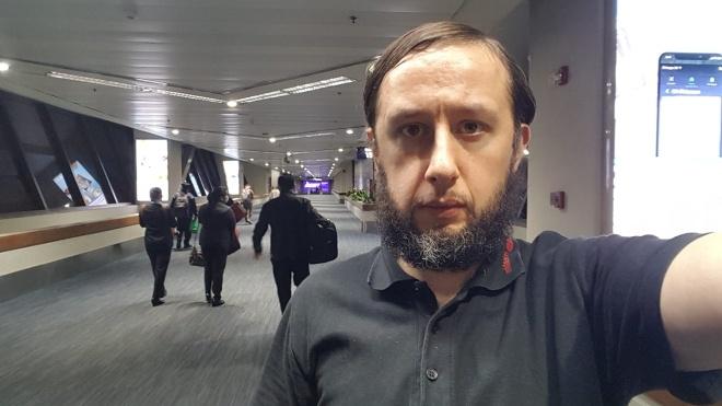Мужчина из Эстонии более 100 дней прожил в аэропорту Филиппин. Когда ему разрешили вернуться, он опоздал на самолет