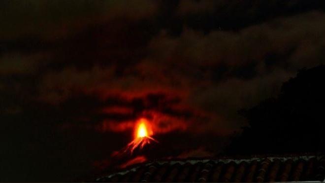 В Гватемале началось извержение вулкана Фуэго. Эвакуируют 2000 человек