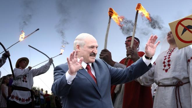 Уже шестой раз подряд белорусы выбирают президента — Александра Лукашенко. В этот раз что-то пошло не по сценарию. Даже аполитичные люди стали сопротивляться