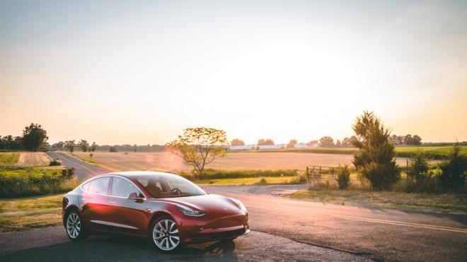 Tesla знизила ціни вКитаї через торгову війну