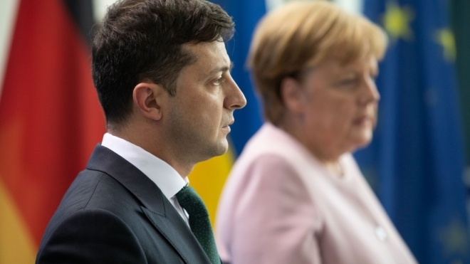 Канцлер Меркель: Німеччина передасть Україні 1,5 мільйона доз вакцини від коронавірусу