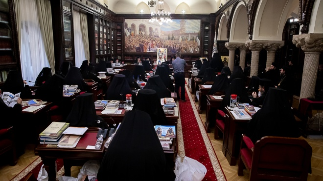 Созвать Синаксис и консультироваться с румынскими приходами. Румынская церковь выдвинула условия для признания ПЦУ