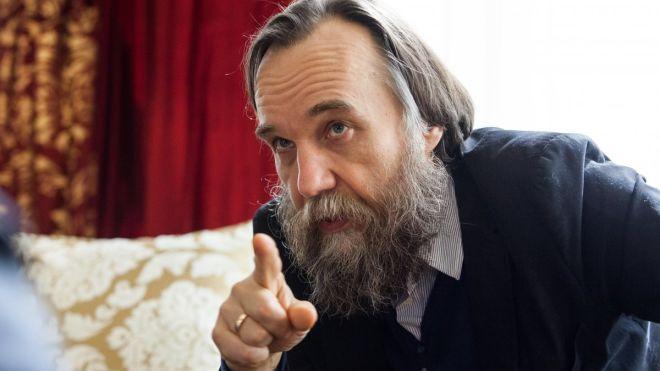 Мінкультури доповнило перелік людей, які загрожують нацбезпеці України. До нього увійшли філософ-націоналіст Дугін і політолог-утікач Іщенко