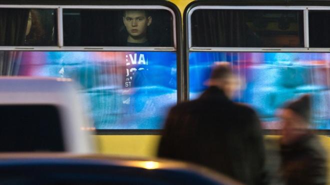 В Киеве заблокировано движение общественного транспорта из-за протеста водителей авто на еврономерах