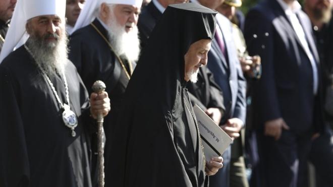 «Інтерфакс-Україна»: Митрополит Константинопольского патриархата прибыл в Киев для подготовки к Объединительному собору
