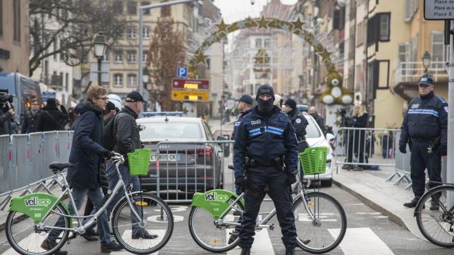 Стрельба в Страсбурге: нападавшего ищут с вертолетов во Франции и Германии. Все, что известно к этому часу