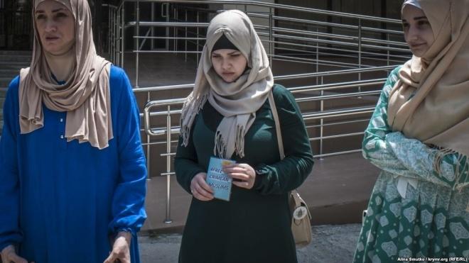 У Криму закрили кримінальну справу проти дочки політв'язня у справі «Хізб ут-Тахрір» Гульсум Алієвої