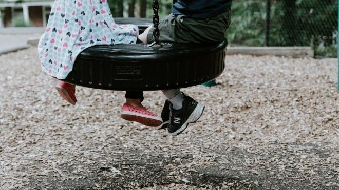 В Сумах для детей и подростков ввели комендантский час с 22:00
