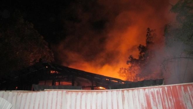 Пожежа в Одесі: вогонь потрапив у лікарню ззовні, але рятувальники не бачать ознак підпалу