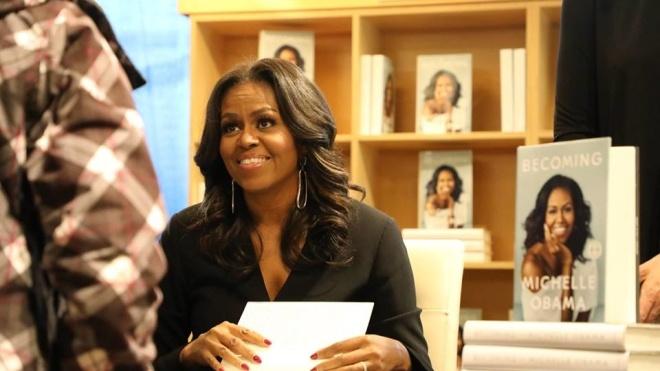Мемуари Мішель Обами б'ють рекорди продажів у США: продано понад 2 млн примірників