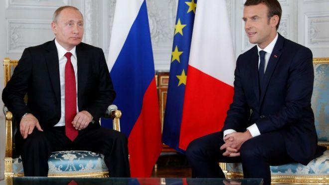 Bloomberg: Путин пообещал Макрону вскоре сообщить о состоянии Сенцова