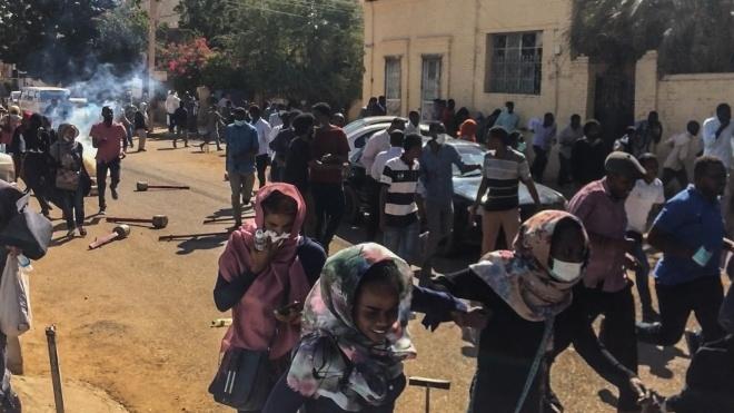 «Гірше вже не буде: це революція за хліб і за свободу». Чому в Судані місяць тривають протести та вбивають мітингувальників — монолог суданця, чия родина бере участь у протестах
