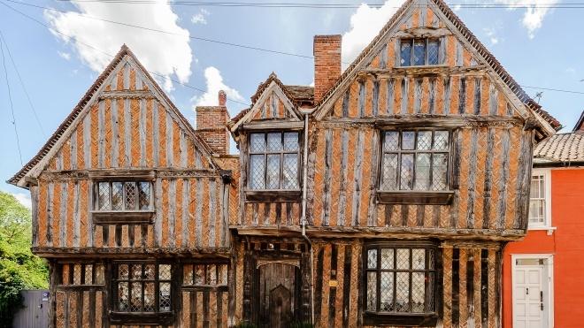 На Airbnb можно снять дом детства Гарри Поттера, где Волан-де-Морт убил родителей главного героя
