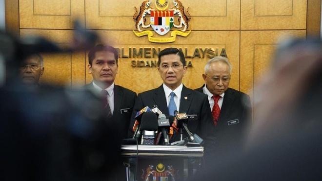 Міністр економіки Малайзії потрапив у скандал через гей-відео, зняте в готелі. Політик назвав це спробою знищити його кар'єру