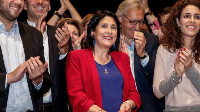 На виборах президента Грузії очікували перемоги кандидата «від Саакашвілі», але цього не сталося. Подробиці розповідає theБабель