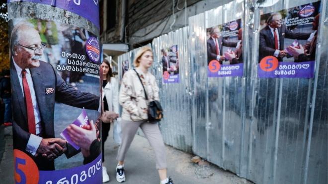 В Грузии начались последние выборы президента. За кресло борются сторонник Саакашвили и кандидат от правящей партии