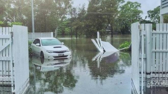В Австралии власти затопили 2000 домов после рекордных ливней. Жителей предупредили о крокодилах и змеях