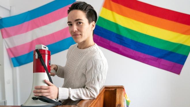Один день с главой ЛГБТ-организации «Инсайт» Еленой Шевченко.  Подготовка к маршу на 8 марта, встреча с ОБСЕ, рейдерский захват типографии