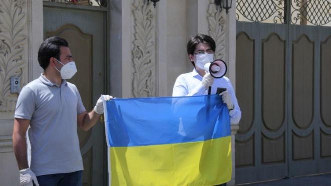 У Баку під посольством України дякували за позицію щодо конфлікту з Вірменією