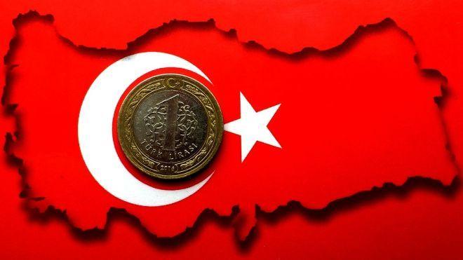 Турецкая лира падает из-за конфликта с США. Это отразилось на финансовых рынках от Гонконга до ЮАР