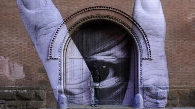 У Мілані проходить виставка китайського «художника-невидимки»