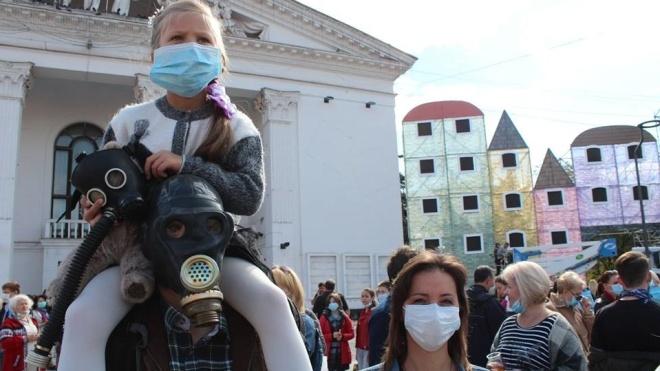 Бачу фото з Маріуполя та новини про забруднене повітря. Поясніть, що відбувається