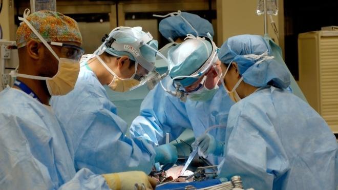 Київські хірурги провели чотири трансплантації за добу. Донором стала одна людина