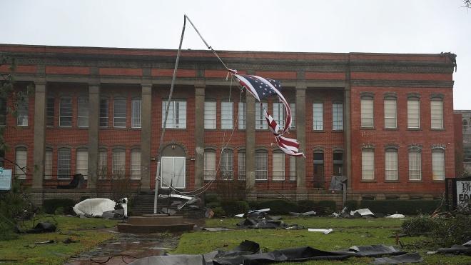 Ураган «Майкл» накрив США, перетворивши будинки на купу уламків