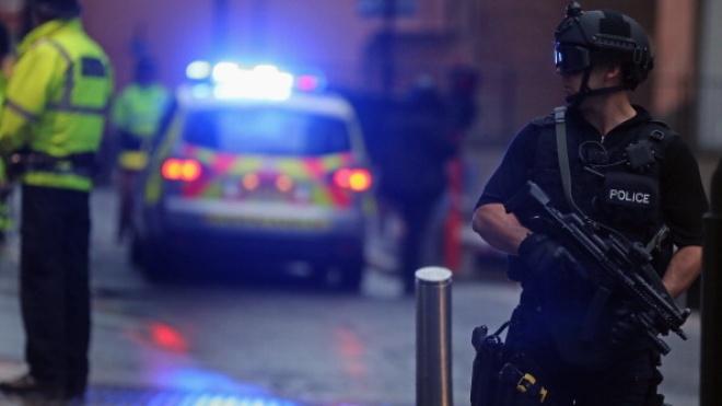 В Британии задержали «самых неудачливых» грабителей в мире. Один из них сел на телефон и случайно вызвал полицию