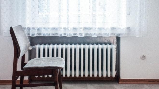 В Україні опалювальний сезон розпочнеться з 15 жовтня. Але тепло в домівках може з'явитися і раніше