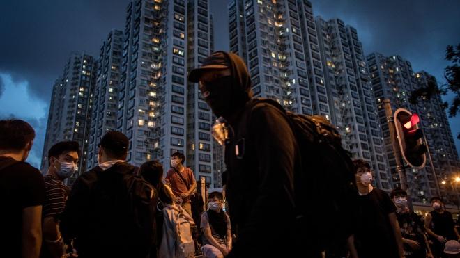 Reuters: Китай собирается покончить с протестным движением в Гонконге, ослабленным карантином