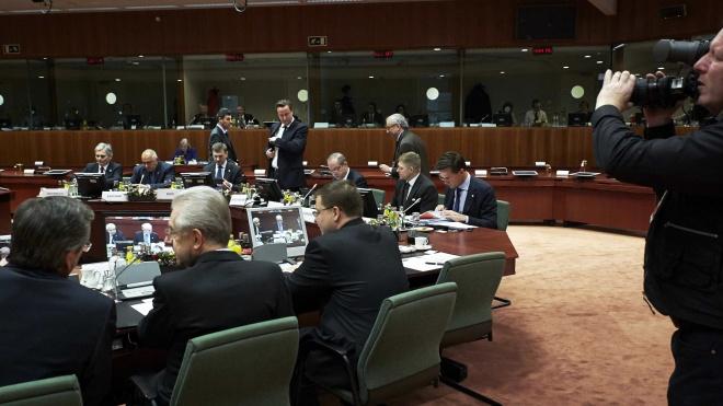 У Нідерландах журналіст завдяки легковажності міністра оборони взяв участь у секретній відеоконференції Євросоюзу