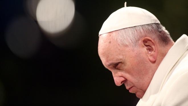 Папу Римского выписали из больницы после операции на кишечнике