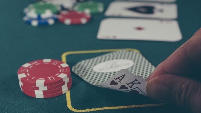 The Bell: У створенні онлайн-казино Azino777 могли брати участь п'ять киян