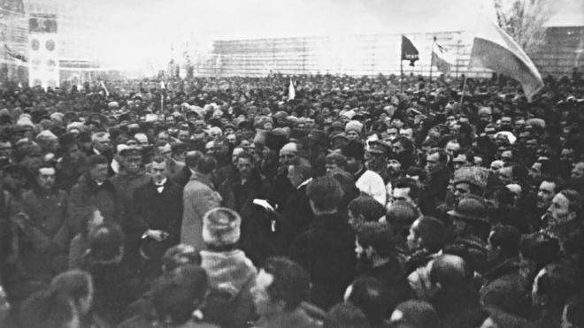 Сто років тому дві українські республіки об'єднались в одну державу, але її зруйнували суперечки та війна. Як УНР і ЗУНР здобули та втратили соборність