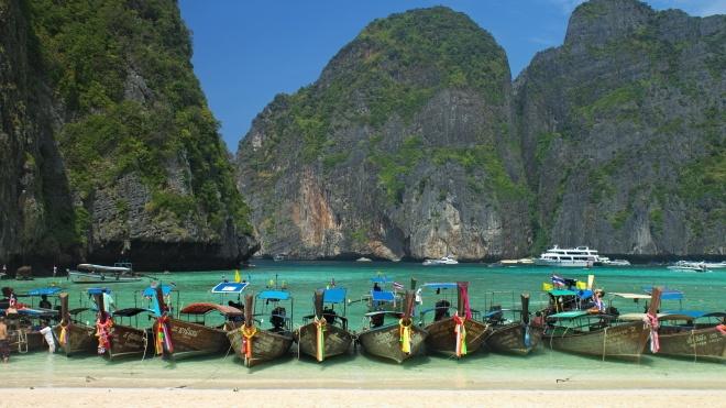 Знамениту тайську бухту з фільму «Пляж» із Леонардо Ді Капріо закрили через наплив туристів
