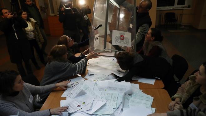 Псевдовибори в «ЛДНР»: Україна вимагає екстреного засідання ТКГ, а люди голосують за Чака Норріса