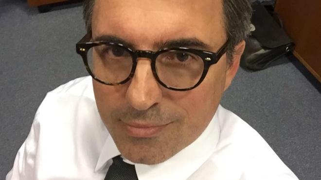 Мэр французского города Гавр подал в отставку из-за рассылки эротических фото
