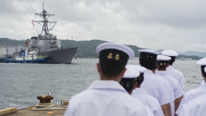 Перед візитом Трампа до Японії Білий дім попросив «прикрити» назву есмінця «Джон Маккейн»