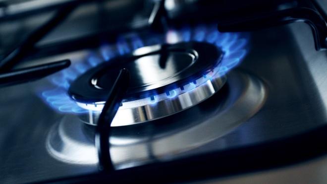 На совещании у Зеленского решили вернуться к государственному регулированию цены на газ. Ее пообещали снизить на 30%