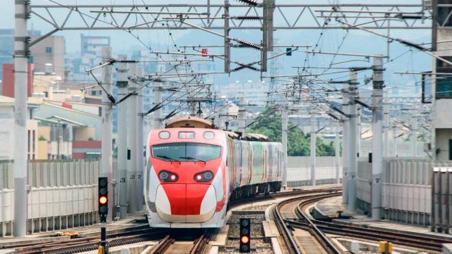 У Тайвані експрес-поїзд зійшов з рейок. Загинуло 17 людей, постраждали 132