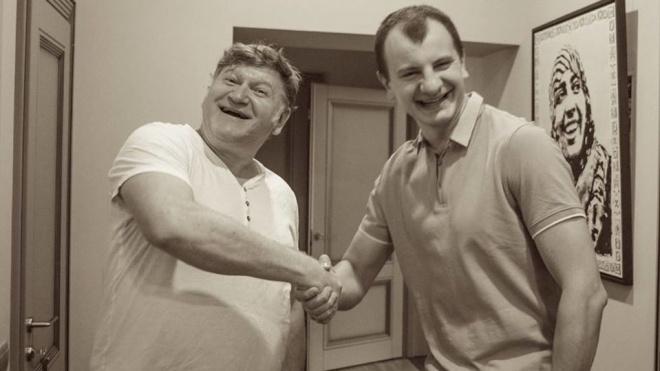 Россия ввела санкции против украинского галериста Евгения Карася. Его перепутали с лидером «С14»