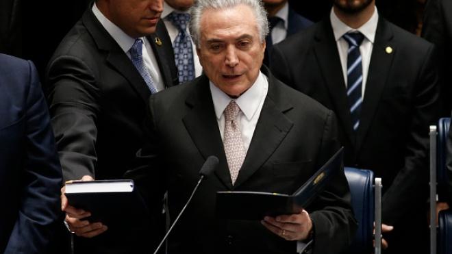 «Получал взятки от строительной компании». В Бразилии по обвинению в коррупции задержан экс-президент Темер